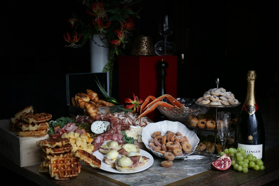 A Thanksgiving Brunch Buffet at Glowbal